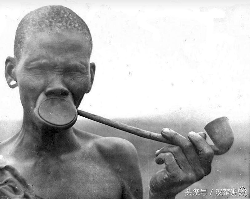 一些非洲部族的老照片,难以理解的特殊文化