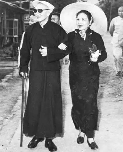 蒋介石三次下野与家族关系