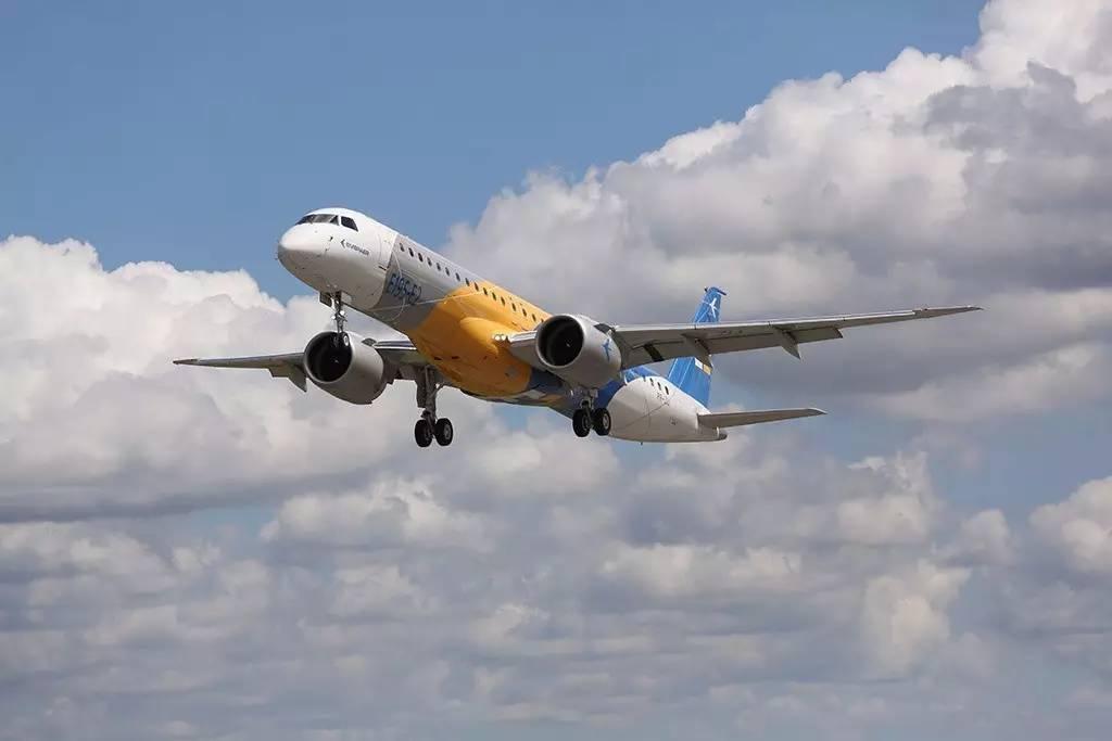 该款飞机是巴西航空工业公司研制的一款军用加油,运输机,巴西空军