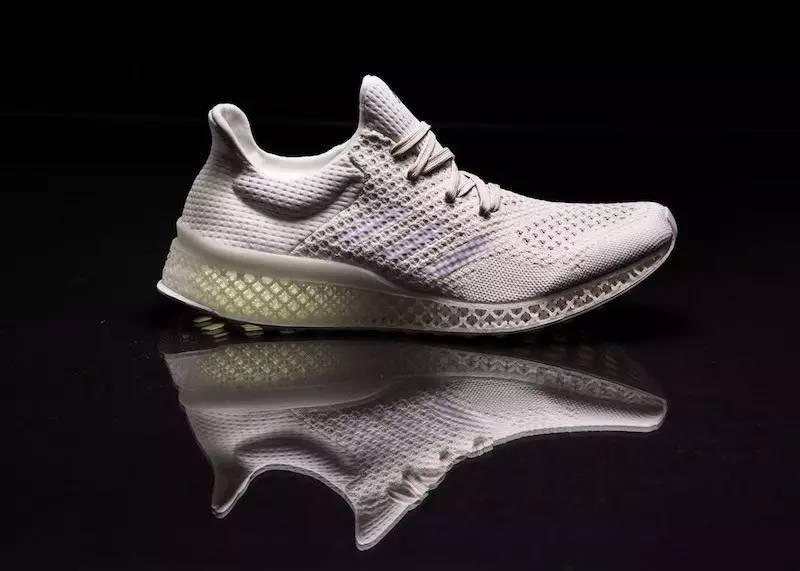 Adidas也有黑科技 adidas Futurecraft 3D跑鞋 仅售69元飞线科技 3D鞋底最新技术全网独家