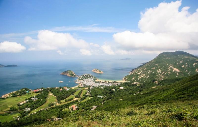 山顶人体艺术_爬升至打烂埕顶山,这是个284公尺高的山顶观景台