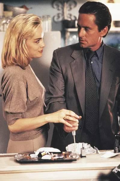《荒岛惊魂》英国宝贝凯莉布鲁克性感出演,全片就看她了.
