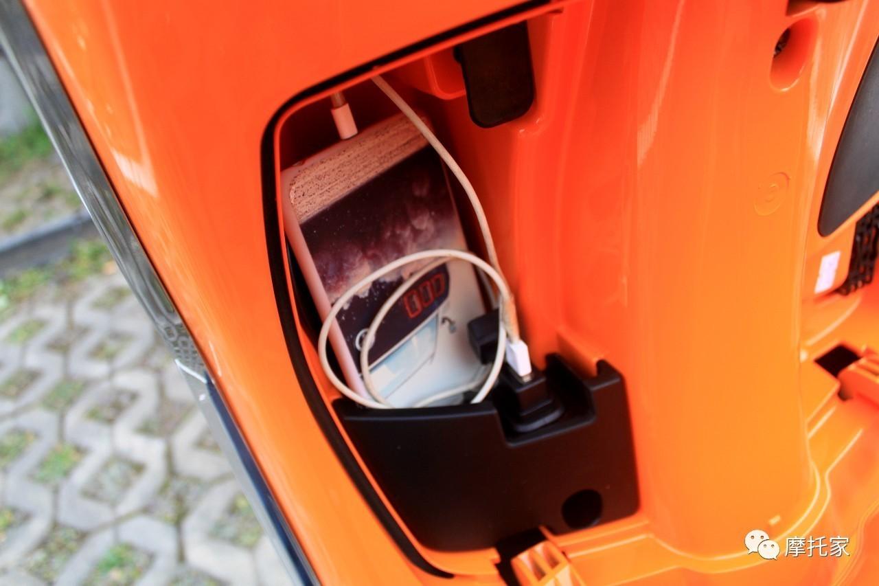 改款新增实用配置四:电动马桶盖,可以不用每次拿钥匙开马桶了,实用.