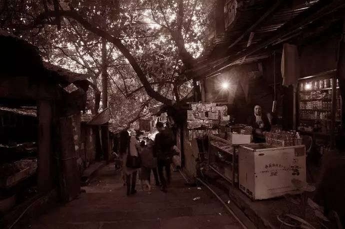 """""""渝中半岛历史文化风貌区"""" ——重庆文化母城最主要的组成部分,是老"""