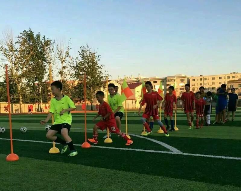北京少儿足球培训机构 儿童足球培训兴趣班 青少年足球培训中心