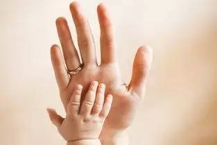 男性看左手,女性看右手,男左女右看看你的五指……