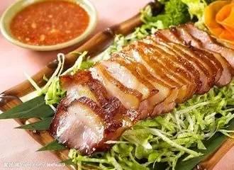 喝1碗汤,再吃凉拌菜/清炒蔬菜然后是主食和肉类.   比如你减肥阶段