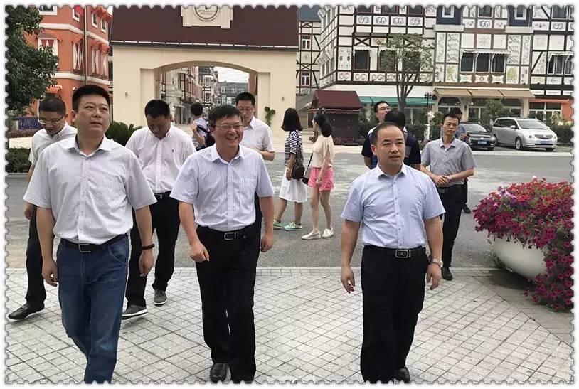财经 正文  6月21日,江苏省南通市海门市,通州区先后来到新埭镇考察张