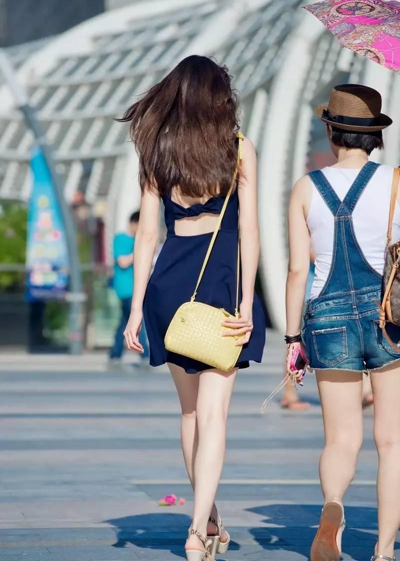 街拍美女背影图片