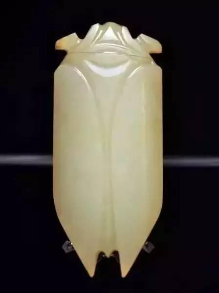 文化 正文  战国,汉代玉雕动物佩饰题材广泛,不仅有常见的动物形象,还