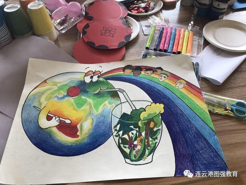 活动内容:儿童创意美术,剪纸,橡皮泥,贝壳彩绘,水粉,画书签,树叶绘画