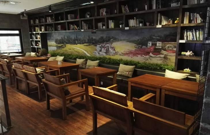 欧式复合休闲咖啡连锁灵感源自欧式传统咖啡馆,是韩国咖啡连锁行业的
