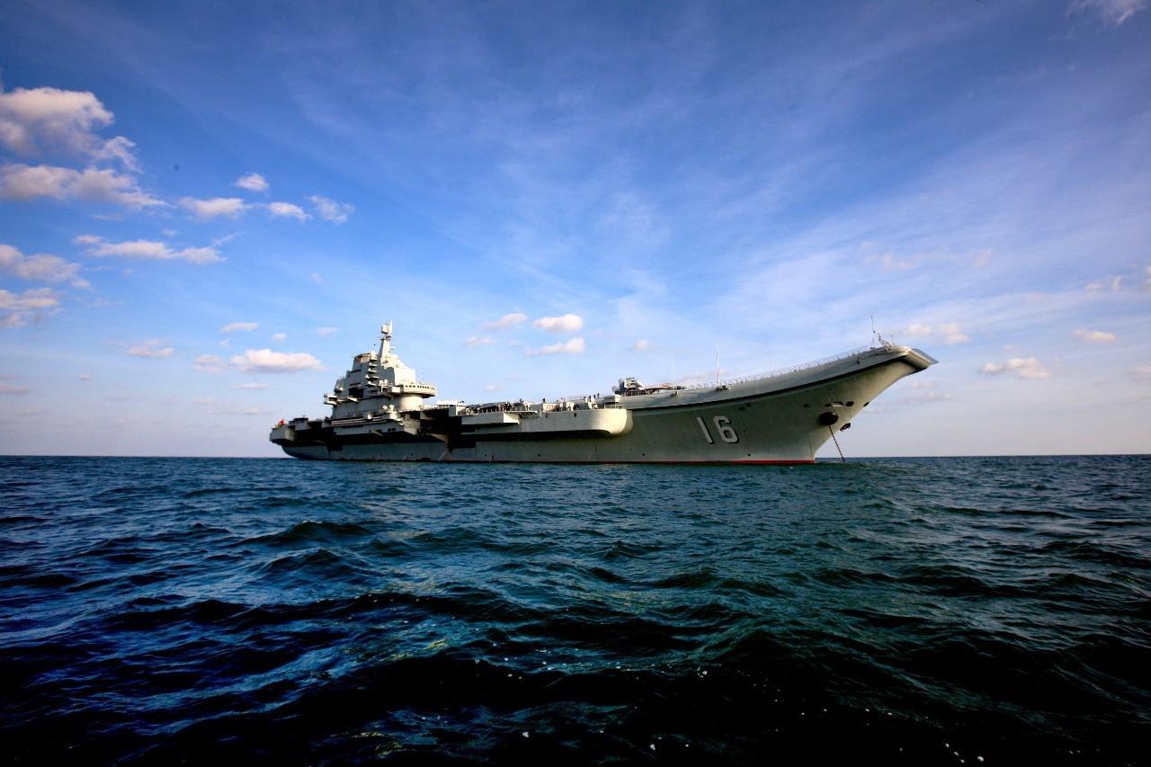 帅!辽宁舰航母编队今出海,含多架歼-15战机
