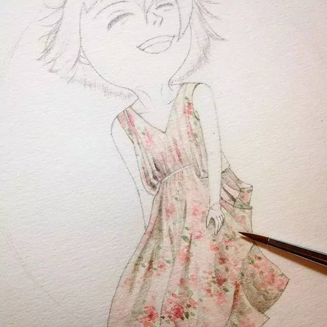 手绘彩铅纱裙侧面