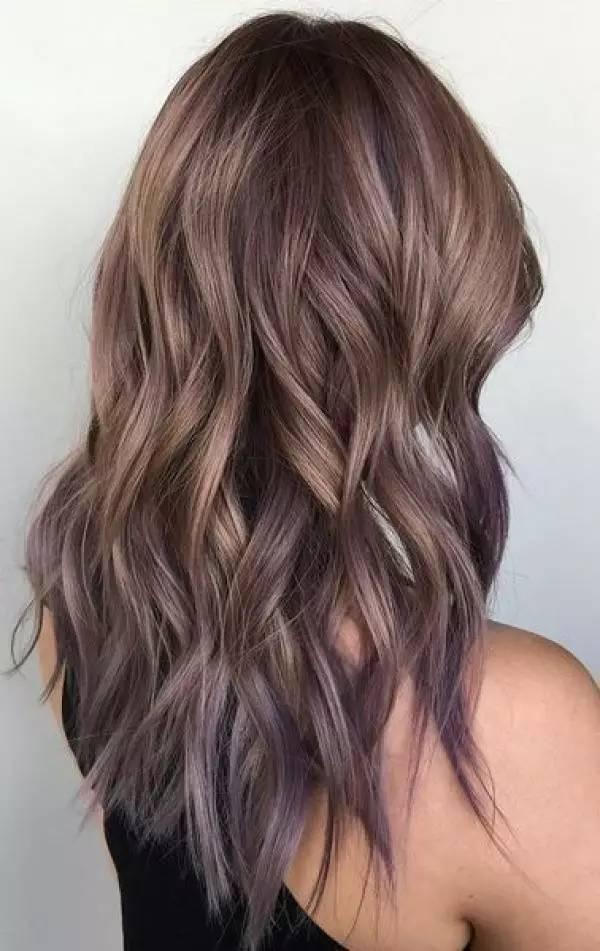 自带浪漫仙气的灰紫色发型,你要不要试下图片