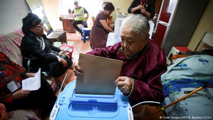 蒙古总统大选 参选率创新低