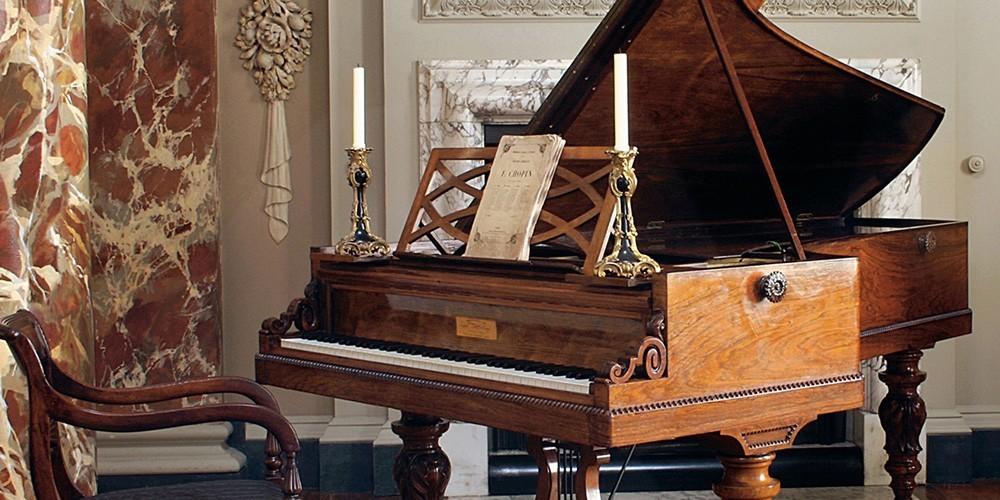 肖邦古钢琴大赛?脑子进水了?图片
