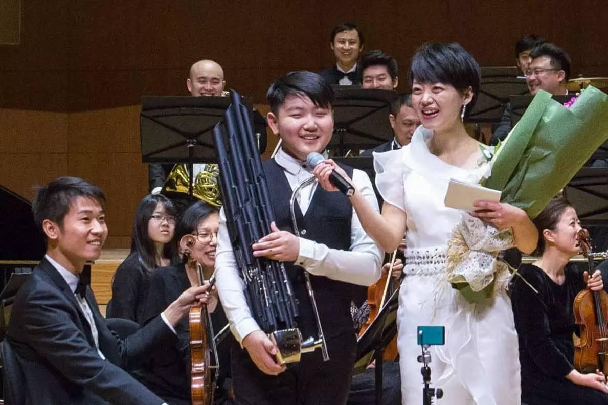 琴协奏曲   萨克斯小合奏 12-15岁   演奏曲目《洪湖随想曲》   键笙独奏