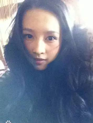 孙怡和李沁像双胞胎,卸妆后呢