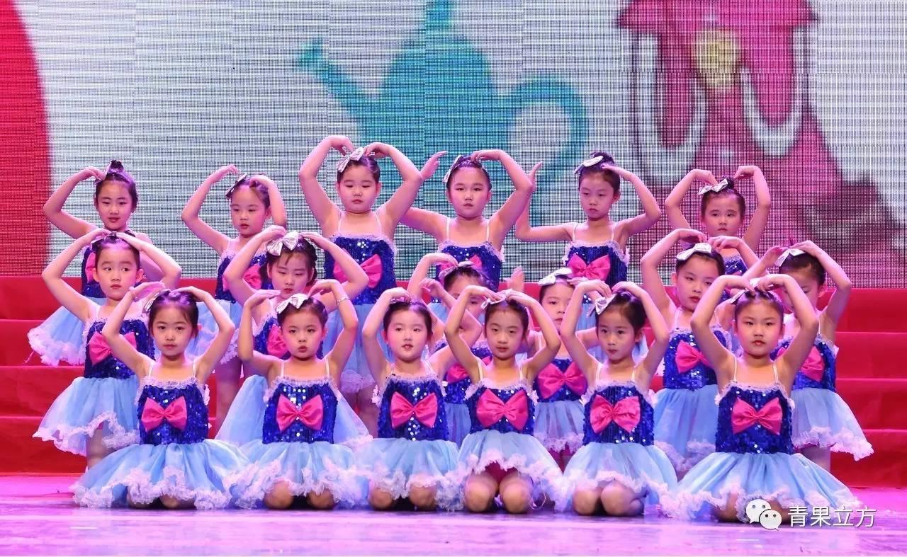 周璐老师河西校区中国舞一级班---学期汇报来袭!(2017图片