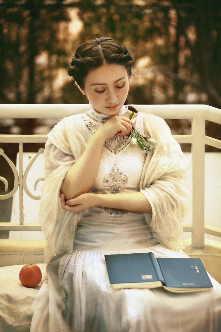 女人读书,是一道迷人的风景!