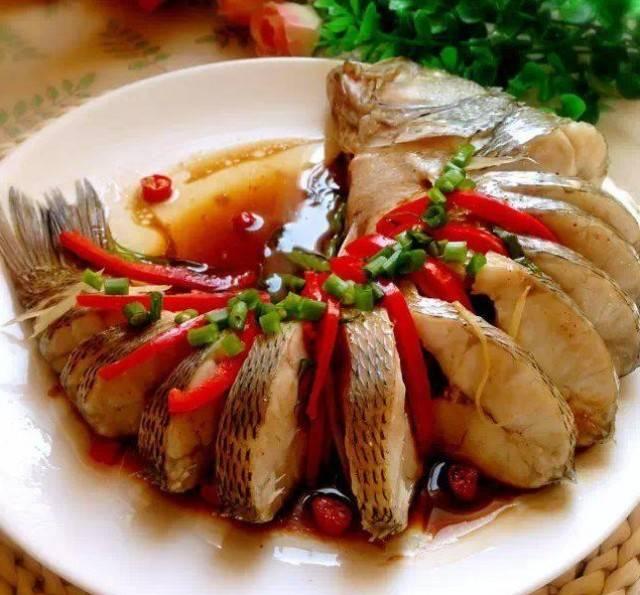 鼓油蒸鲈鱼