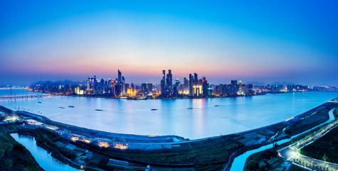 纽约长岛,香港浅水湾,东京湾……这些世界著名湾区如同闪亮的钻石