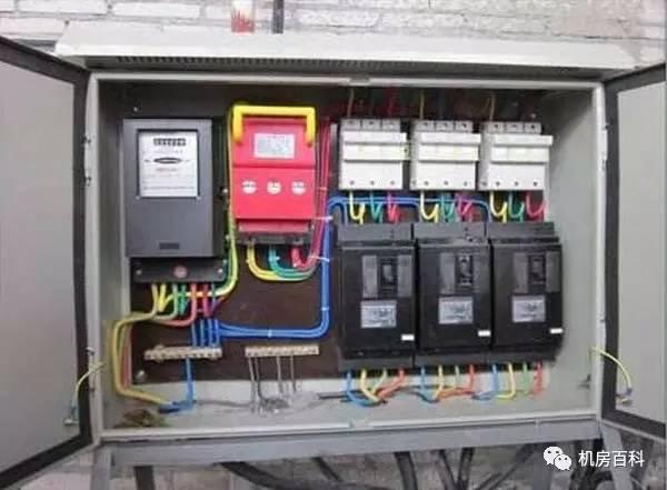 科技 正文  ①机械电度表工作原理:当电能表接入电路时,电压线圈和