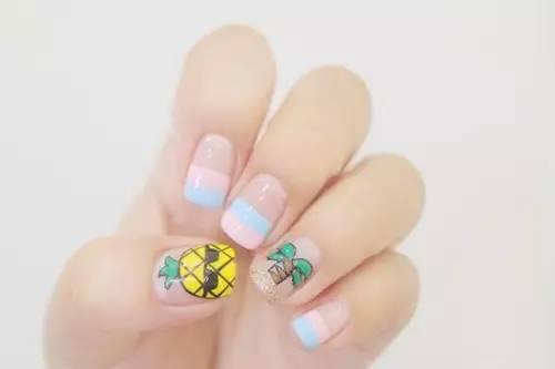 【美甲】在指尖,酷酷的菠萝与椰子树特别配