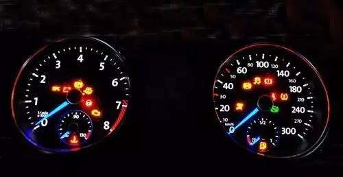 >> 文章内容 >> 汽车仪表指示灯图解  汽车仪表盘包括哪些?