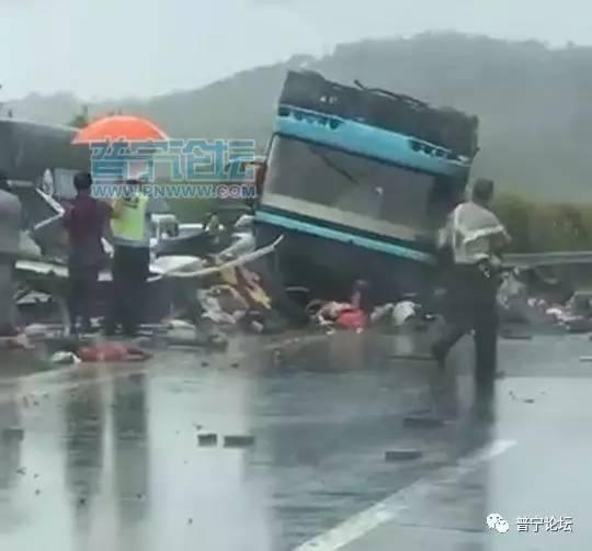 祈福 广河高速大巴翻车已致19人死亡,惠州出动直升机救援