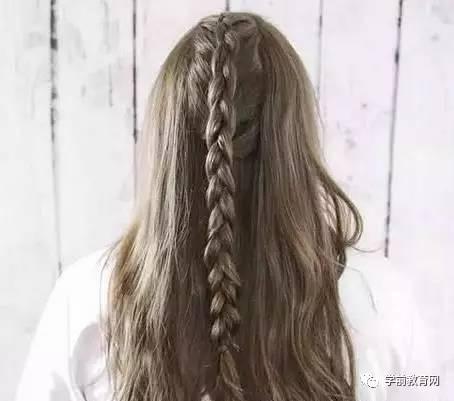 长发姑娘怎么扎马尾好看 夏季长发编发马尾扎法