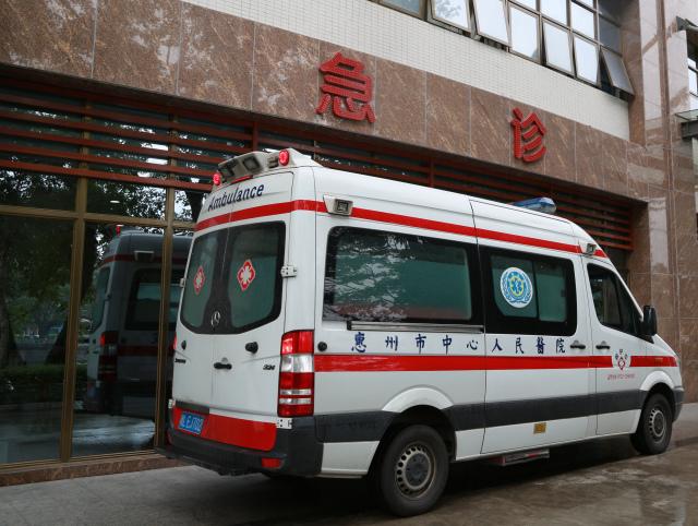 广河高速龙门路段发生重大翻车事故 市中心人民医院启动一级公共卫生