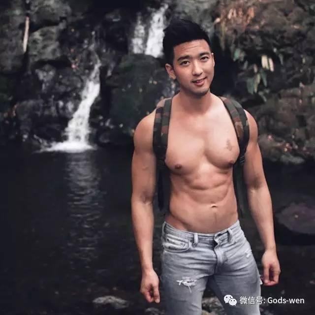 毒 亚裔GV男星 Patrick Ly 由精瘦攻到粗壮受完美蜕变