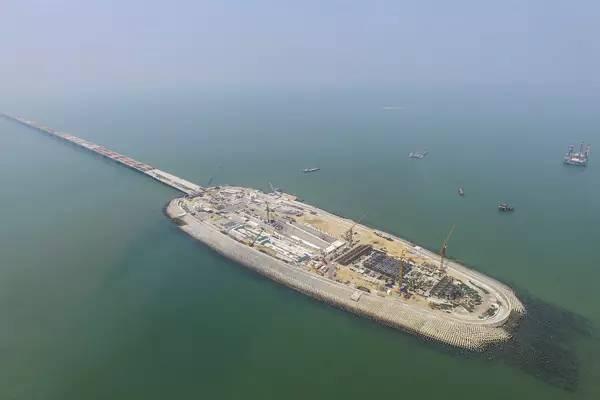 堪比三峡的超级工程 港珠澳大桥主体今天全面贯通