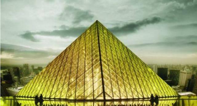 当信任取代恐惧时,传统的金字塔级制度是否会崩塌?
