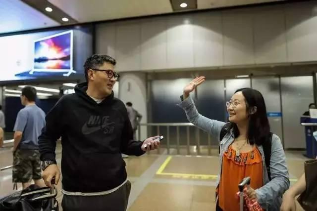 美国飞北京航班遇袭 哈尔滨男乘客出手制伏嫌犯