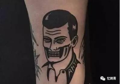 可以很清新可以很酷 黑白从来不是枯燥的选择 黑白情侣纹身 谁说不能