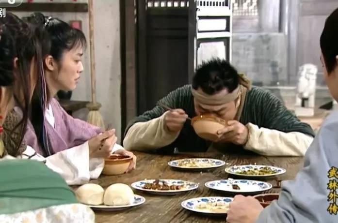 做饭输给李大嘴,治愈不敌佟湘玉,黄小厨的《深夜食堂》完败给这部下饭