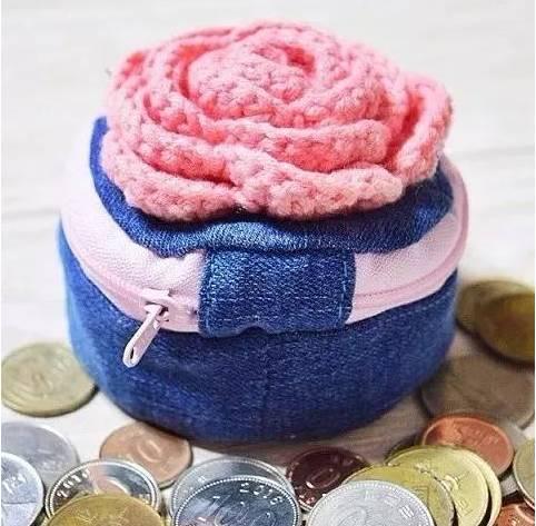 时尚 正文  钩织一个美腻的毛线玫瑰花做装饰~(图解视频在文末↓↓↓)