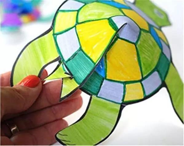 乌龟什么颜色好_将小乌龟涂上漂亮的颜色,可以运用多种绿色交替涂色,也可用彩色装点龟
