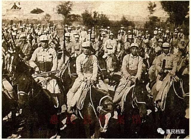 剿匪骑兵部队在剿匪战斗中发挥了重要作用.整装待发的剿匪骑兵部队
