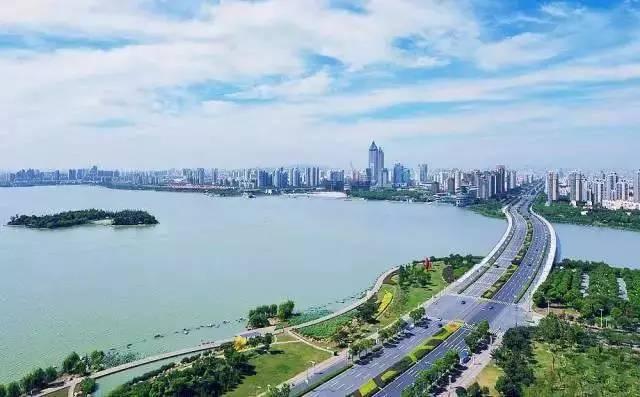 新型城镇化如何与 生态文明 兼容图片