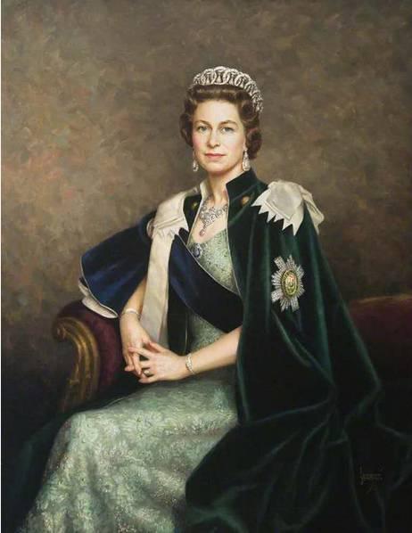 贵族色昝_楷模歌特   英女王都爱的天生贵族色