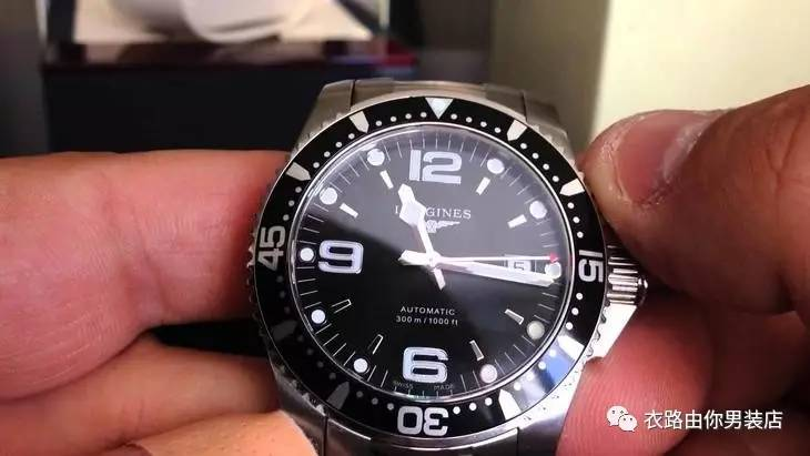 男人戴手表微信头像