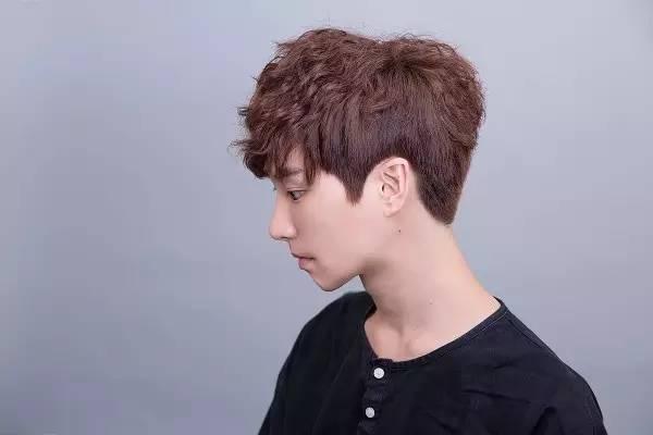 一大波韩国帅哥发型向你袭来(46款)