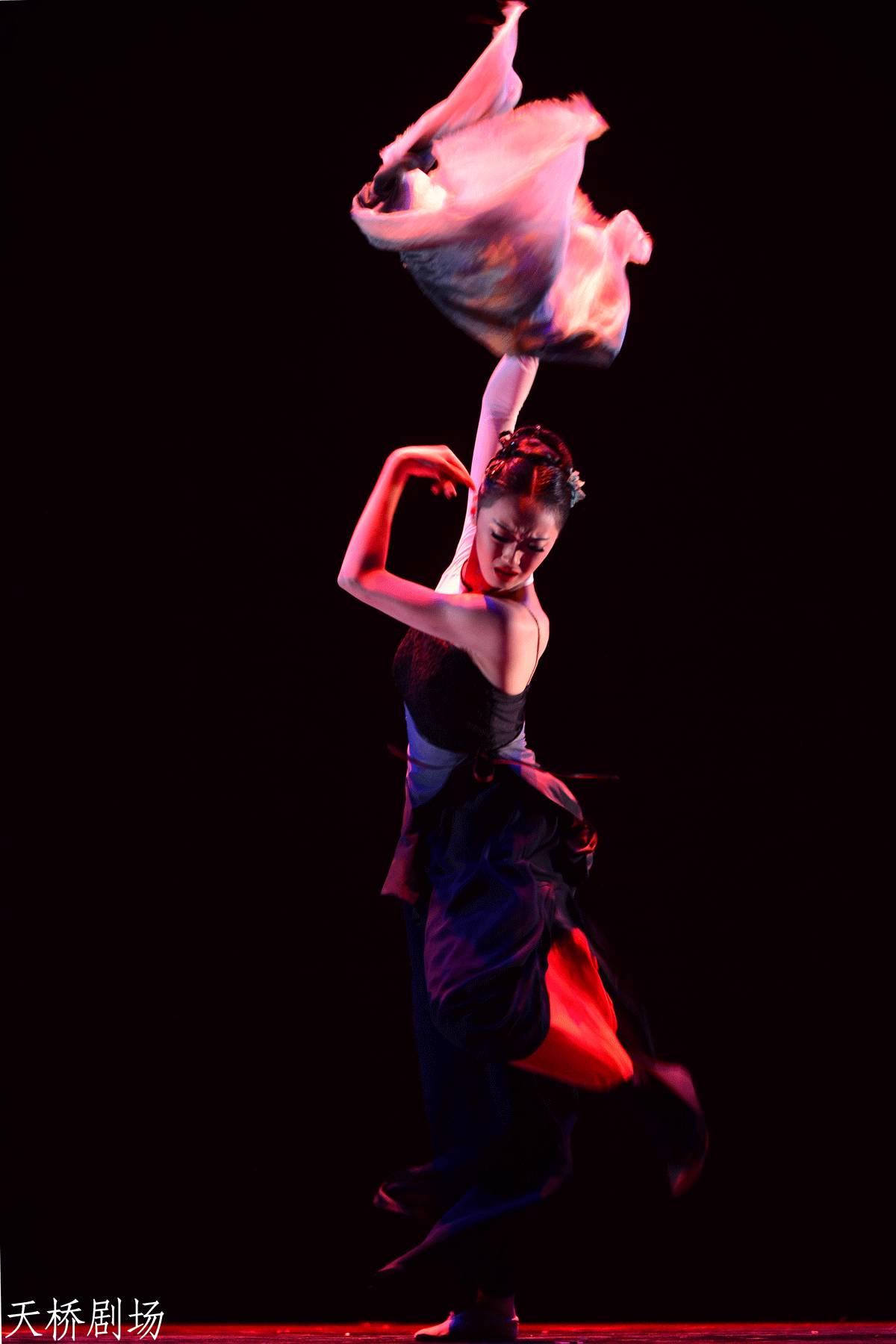 情色电影网址铹��_舞蹈大赛进行时|专业少年组、青年组剧照赏析(附观演舞迷名单