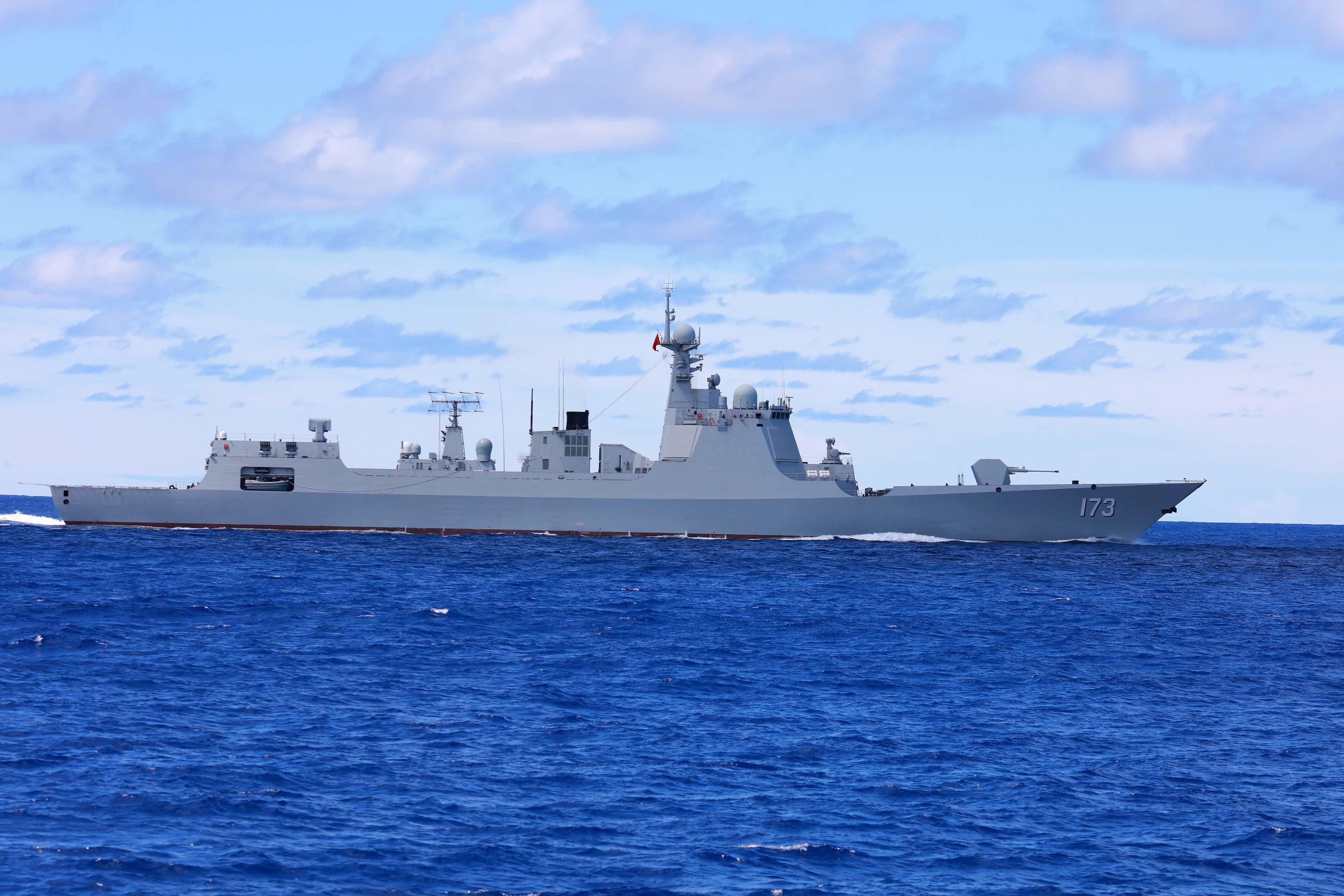 军情 看了地图才吓大跳 我海军在印度的西边已梯次部署4支编队11舰 关键还有后招