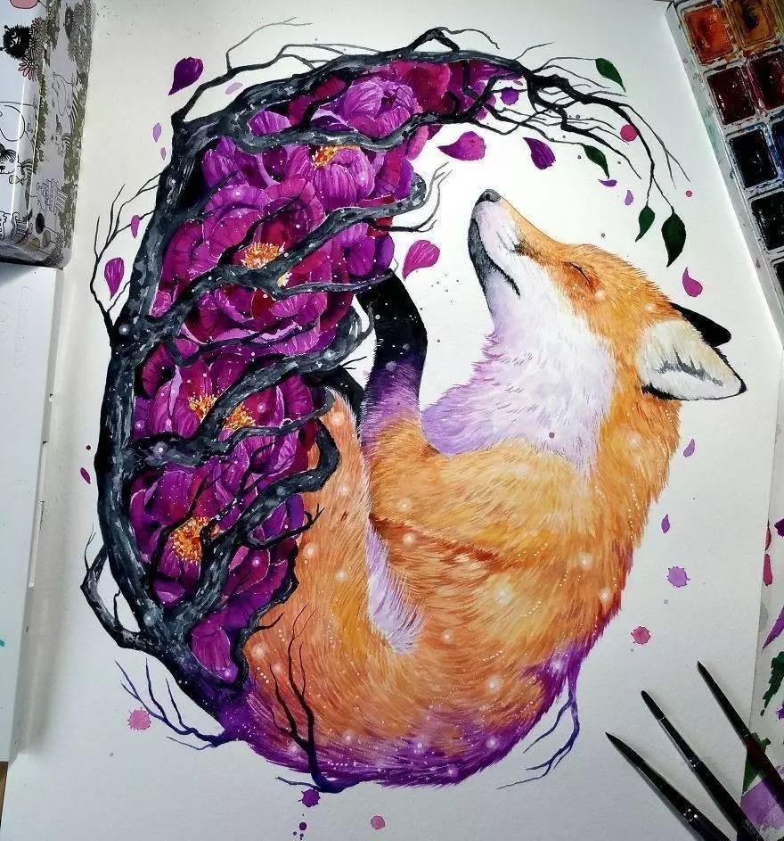 她说 动物离她的心最近 她选择讲述它们的故事 悲伤的或是温暖的 希望