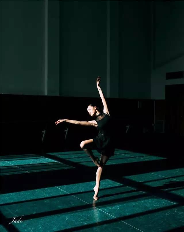 2012年参加艺术节舞蹈大赛双人舞《青蛇白蛇 》荣获二等奖, 2014年荣